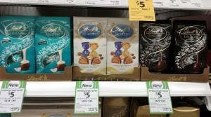 Lindt 100g Dark Ccoconut Choc Bag, Fioretto, Extra Dark 60%
