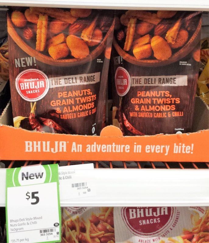 Majans Bhuja Snacks 140g Peanuts, Grain Twists & Almonds With Sauteed Garlic & Chilli