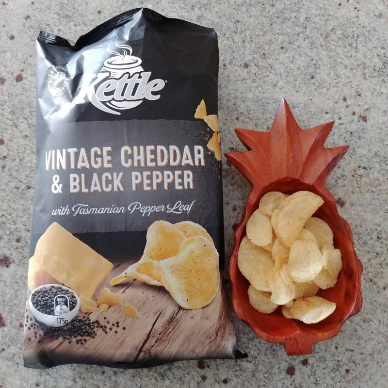 Kettle 175g Potato Chips Vintage Cheddar & Black Pepper Open