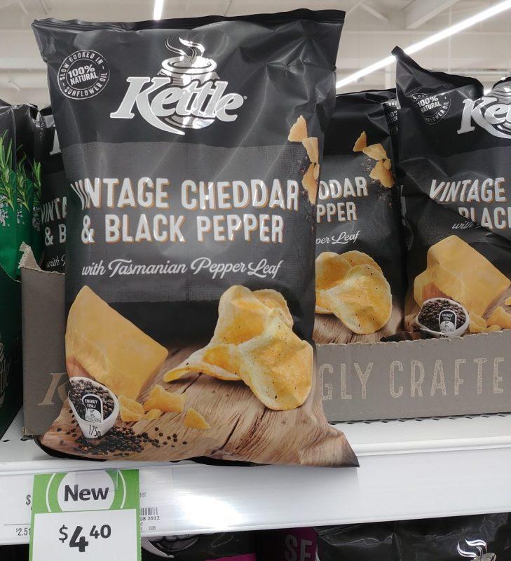 Kettle 175g Potato Chips Vintage Cheddar & Black Pepper With Tasmanian Peppers Leaf