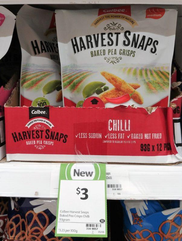 Calbee 93g Harvest Snaps Baked Pea Crisps Chilli