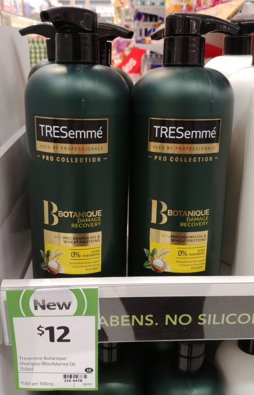 TRESemme 750mL Shampoo Botanique Dame Recovery