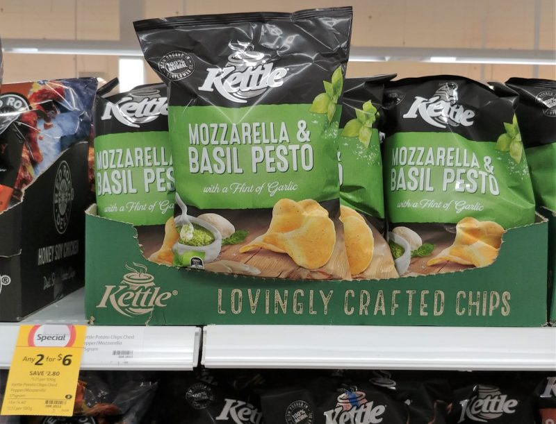 Kettle 175g Potato Chips Mozzarella & Basil Pesto