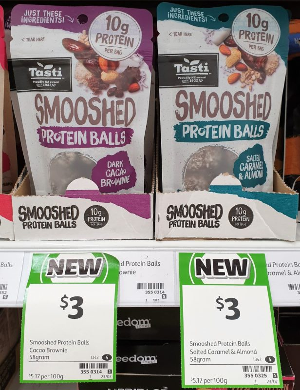 Tasti 58g Balls Smooshed Dark Cacao Brownie, Salted Caramel & Almond