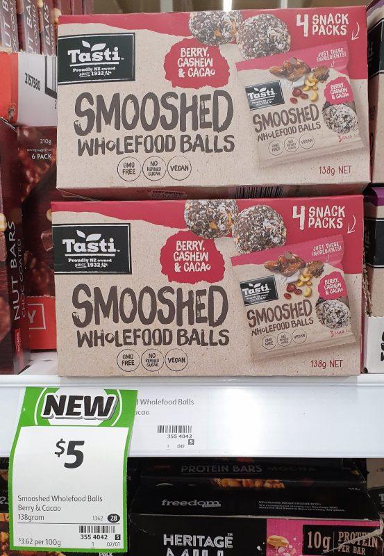 Tasti 138g Smooshed Wholefood Balls Berry, Cashew & Cacao