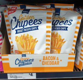 Calbee 100g Golden Chipees Russet Potato Chips Bacon & Cheddar