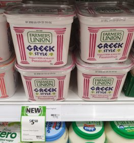 Farmers Union 950g Yogurt Greek Style Passionfruit