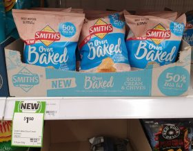 Smith's 40g Oven Baked Potato Chips Sour Cream & Chives