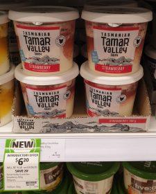 Tamar Valley Dairy 700g Yoghurt Strawberry