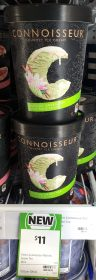 Connoisseur 1L Ice Cream Matcha Green Tea With White Choc 1