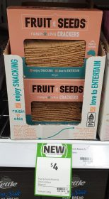 Fruit & Seeds 90g Crackers Raisin & Chia
