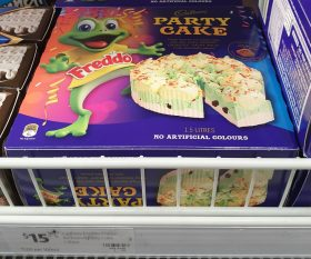Cadbury 1.5L Ice Cream Party Cake Freddo